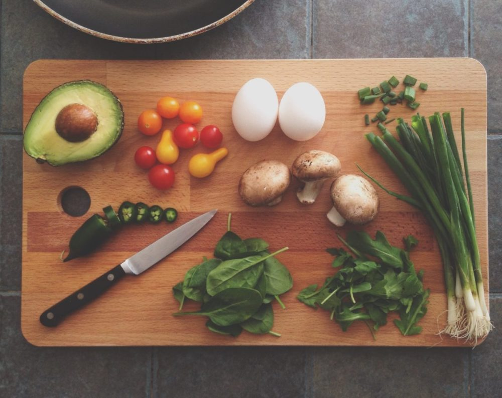 nutritional_therapist_cooking_unsplash_katie_smith
